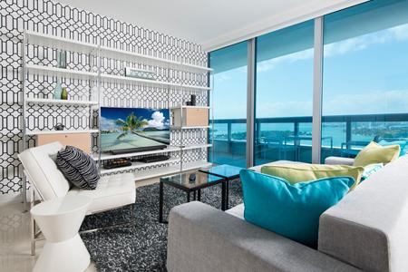 Miami-Sleek-Main
